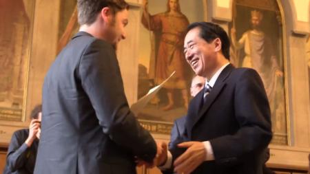 [寄稿]菅直人元首相、ドイツ「核勇敢賞」を受賞【動画ニュース】