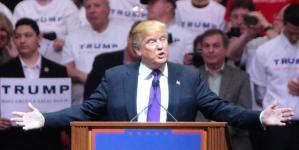 トランプ大統領が導く海図なき船出(上)――米国から