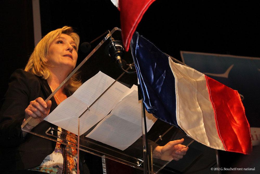 「強いフランスへの回帰」を力強く訴えるマリーン