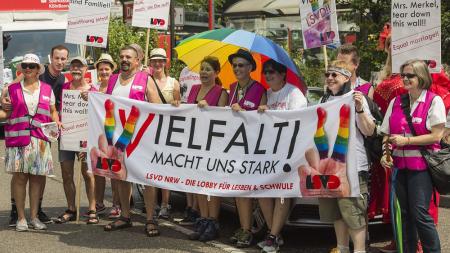 ドイツでもついに同性婚合法化 現役大臣も秋にゴールイン
