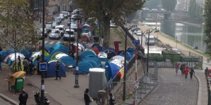 難民政策:フランスの場合 カレー市の「ジャングル」解体で、パリ市内にも難民キャンプ